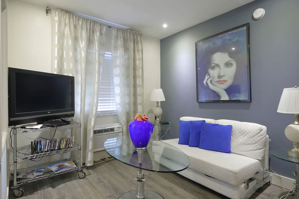 South Beach Ocean Front 1 Bedroom Apartments for Rent in