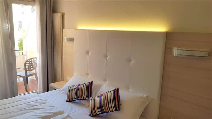 Smart Room with Balcony @ Home Hotel Locarno