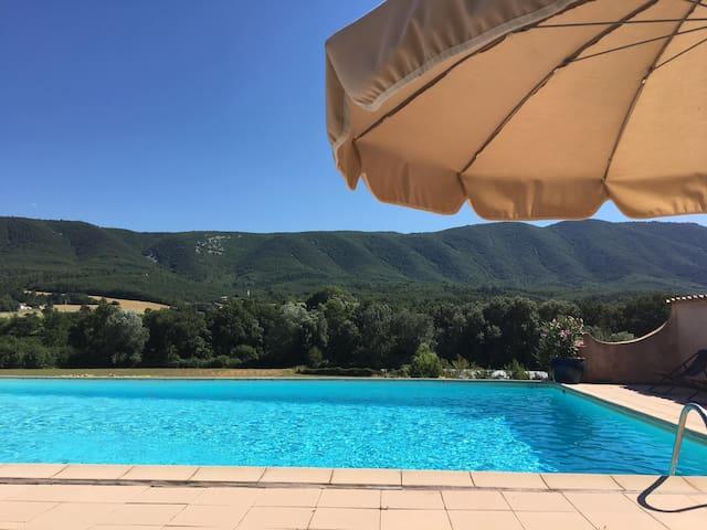 Mas de L'olivier 3 BR, Luberon 15 km/Apt, pool