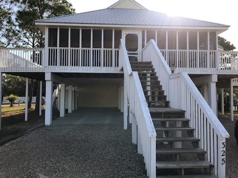 Halfmoon Haven. Bayside home 8 minute walk 2 beach