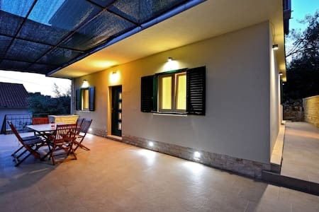 """Sweet apartman """"Roza"""" with large terrace"""