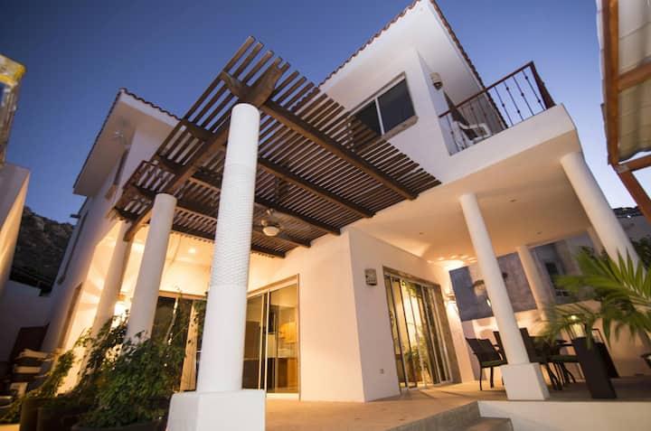 3 Bedroom Villa in Best Location Pedregal