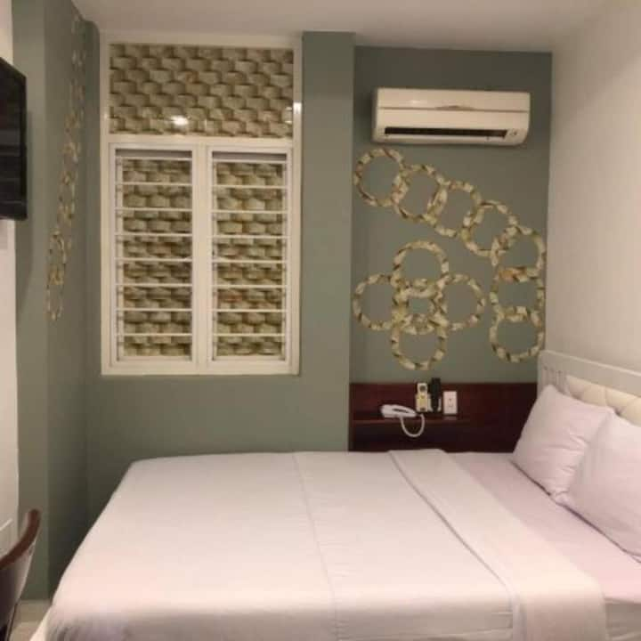 Standard Double at Hoang Yen Nhi Hotel