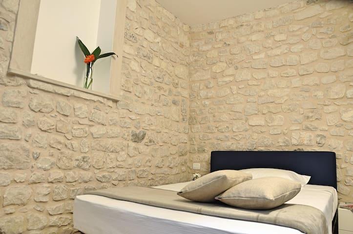 seconda camera da letto al piano superiore