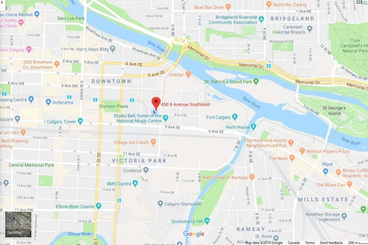 Stampede, Studio Bell Music Center, Calgary Tower, Zoo, Fort Calgary, St Patrick's Island, Bow River Pathways, Stephen Ave Walk, C-Train and much more all within walking distance from here.