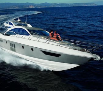 The Azimut 62S: pure elegance in motion. - Båt