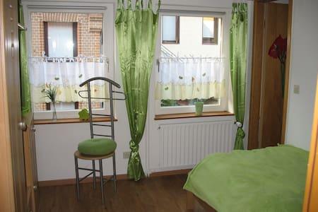 Einbettzimmer zwischen Hannover und Hildesheim - Sarstedt