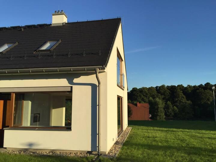 Osiedle Binduga - willa Mazury, Krzyże (dom nr 1)