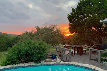 Birdsong - Hill Country Views from the Pool!