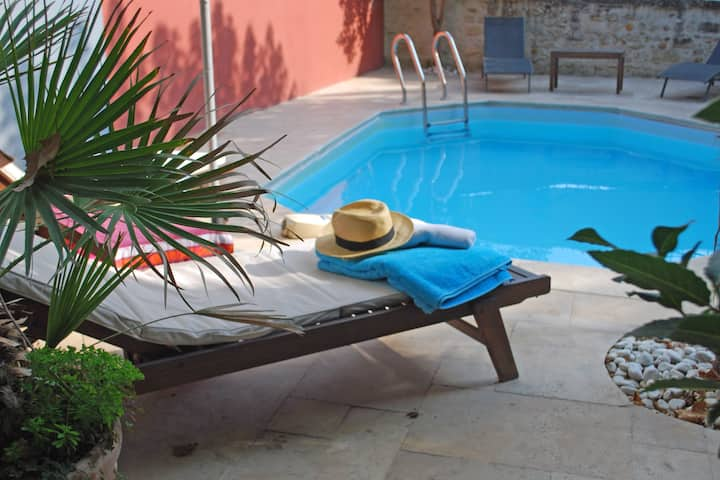 St Rémy de  Provence, joli jardin, piscine privée
