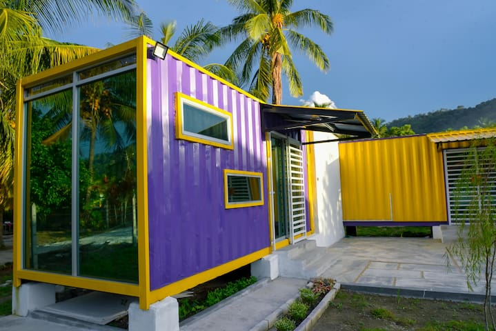 Purple Cube Kontena stay@ Marina Jetty UNIFI TVBOX