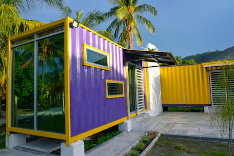 Purple Cube Kontena stay@ Lumut FREE WIFI PARKING