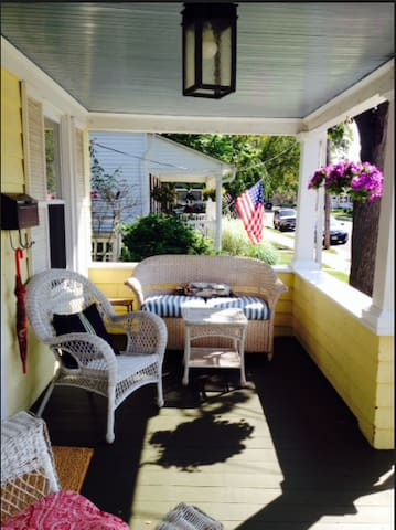 Manasquan Charming 3bedrm home excellent location!