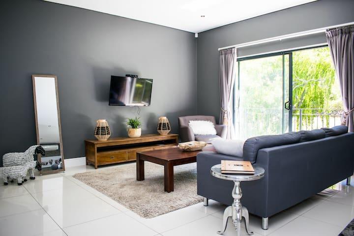 Modern Studio Apartment 8 in Rustic Surroundings