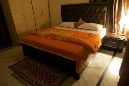 MyHome Staycations - Stunning Views - Shimla - Bed & Breakfast