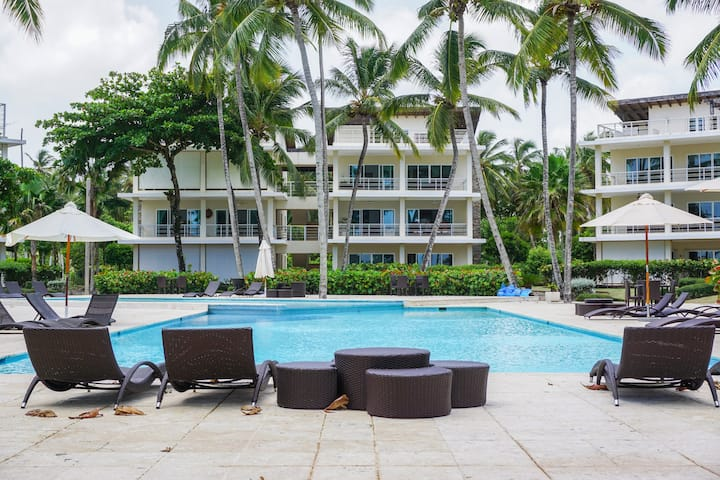 Luxury Apt-Private Jacuzzi-Pool- Beach-YellowKey