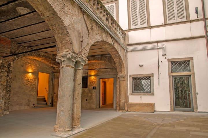 Art Gallery Suite