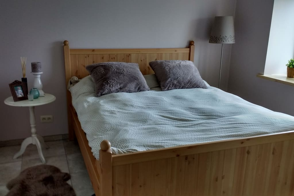 dubbel bed met comfortmatras