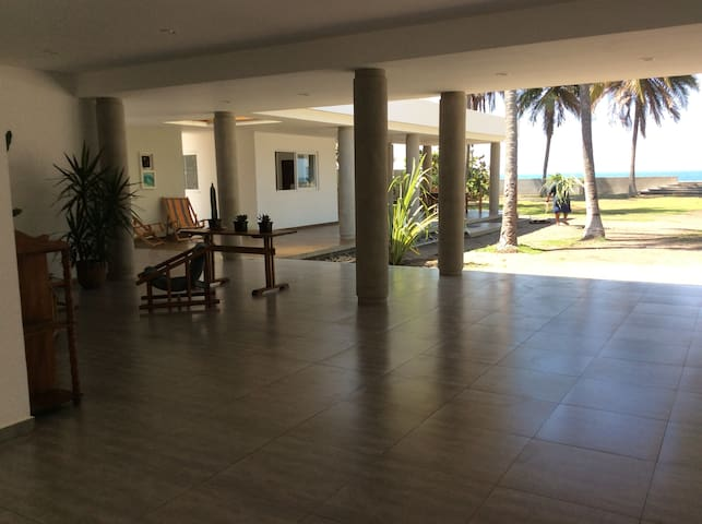 Playa Metalio Beachfront House - Metallo - Huis