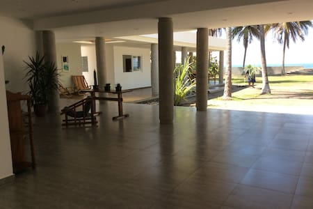 Playa Metalio Beachfront House - Metallo - Ev