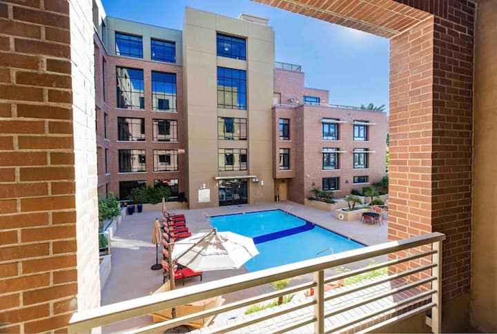 *TheOldTownOmni ™*— NEW!—Luxury—Poolside Retreat!