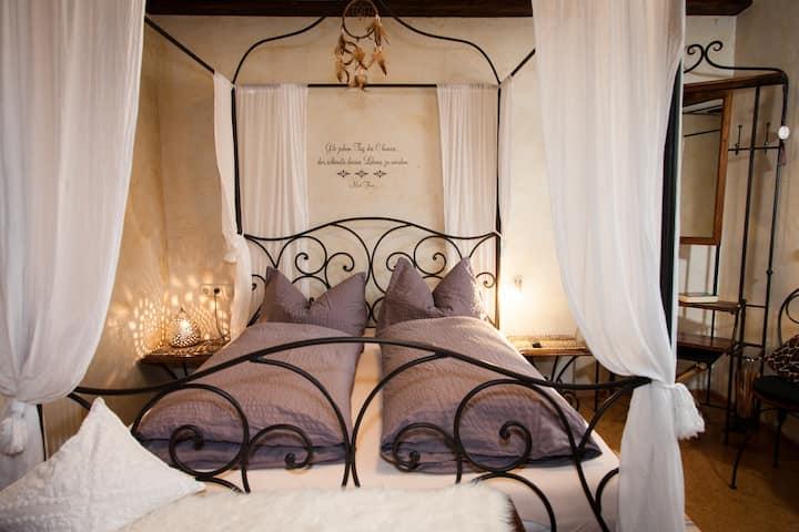 Romantisches Himmelbett-Zimmer am Bodensee