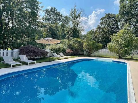 Beautiful 3-bedroom Hudson Valley home w/ pool