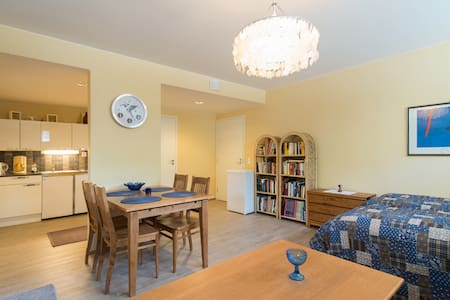 A cosy apartment in the center of Naantali. - Apartmen