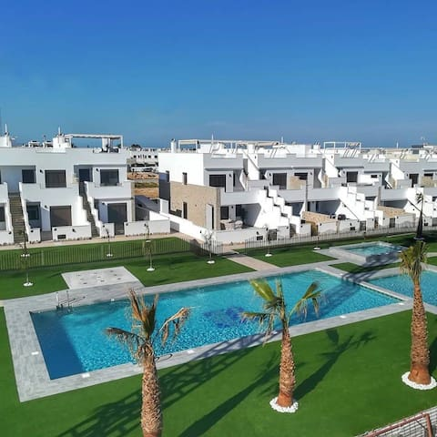 BRAND NEW beautiful appartment 600 m to the beach