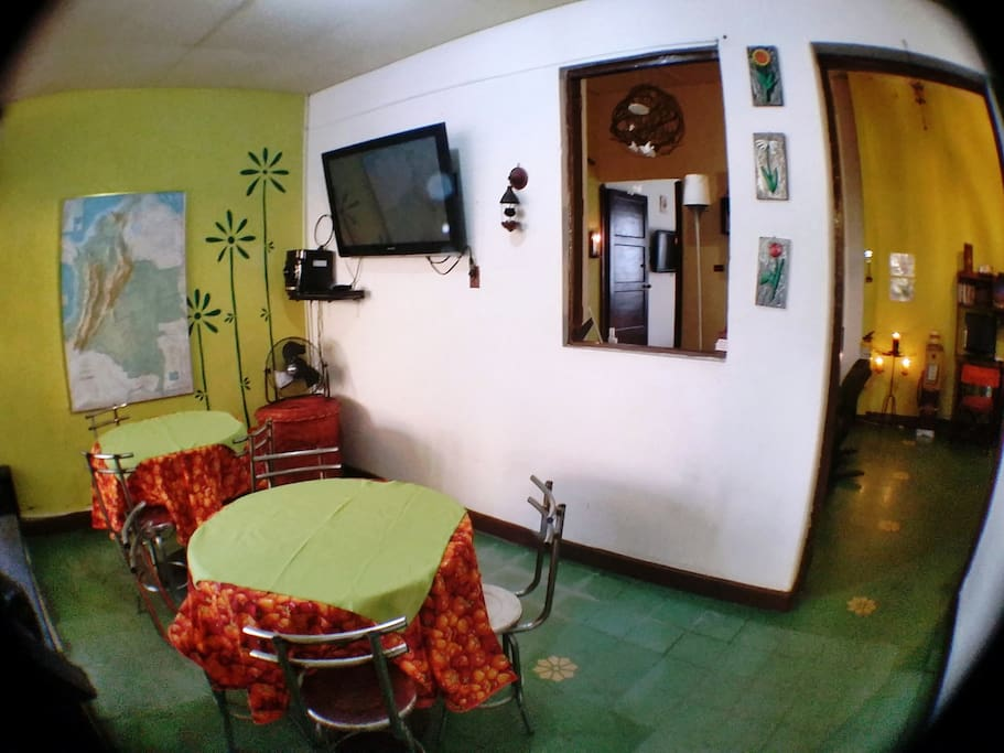 TV ZONE AND DINNING ROOM