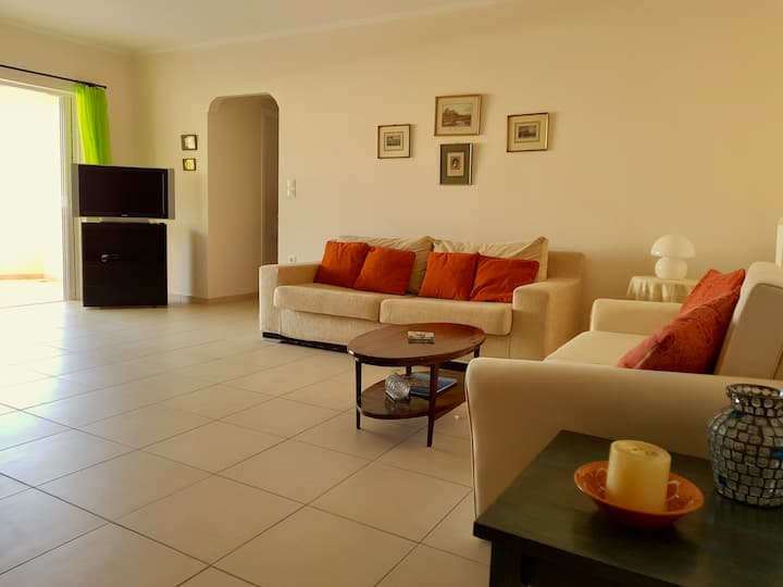 Modern apartment, 20 meters away from the beach