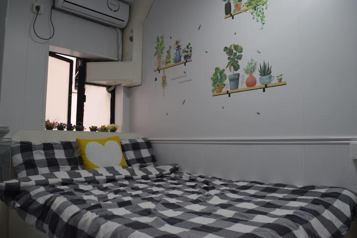 B4A-1 Center,Tsim Sha Tsui Cozy double R with ac