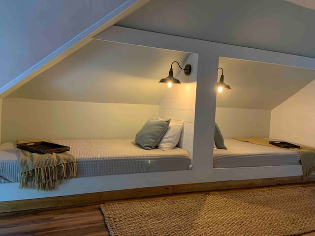 Upstairs room twin beds