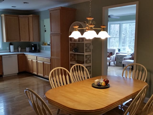 Clean, Comfy, close to Asheville - Candler - Appartement