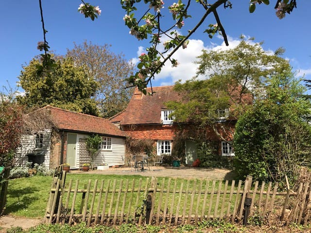 Idyllic 14th Century Listed Kentish Cottage - West Peckham - Hus