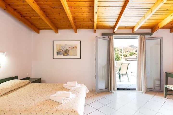 Philoxenia Apartments - Premium Apartment