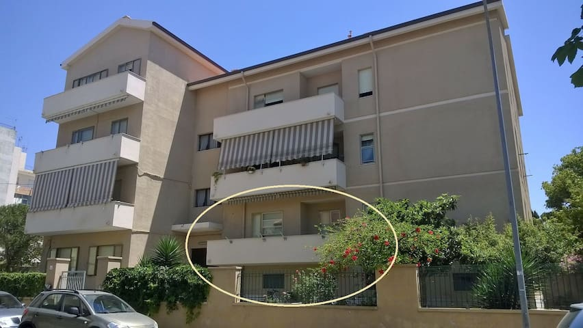 La vicinanza alla spiaggia é il suo punto di forza - Alguer - Apto. en complejo residencial
