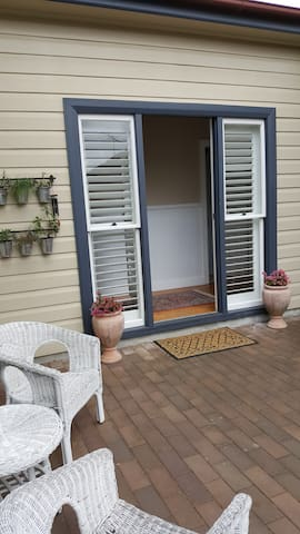 Parkside. Convenient, spacious, peaceful setting. - Bowral - Huis
