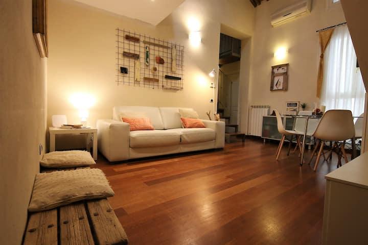 Stylish central apartment in Borgo Stretto