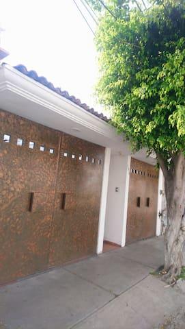 Cómoda habitación cerca del centro de Querétaro