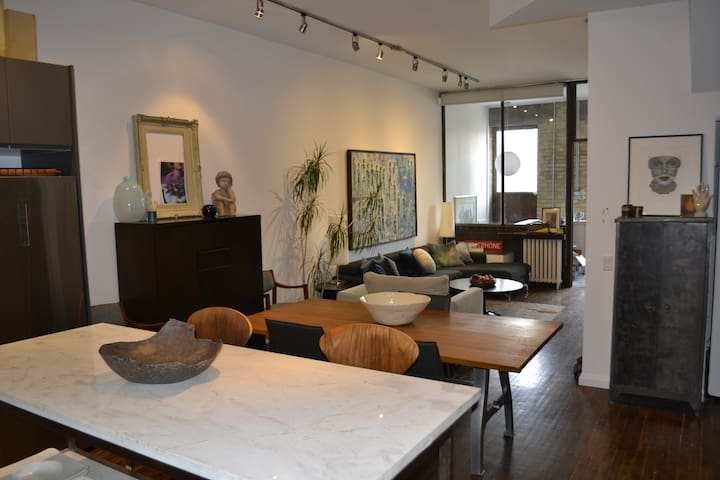 Stunning two storey loft in the heart of Toronto.