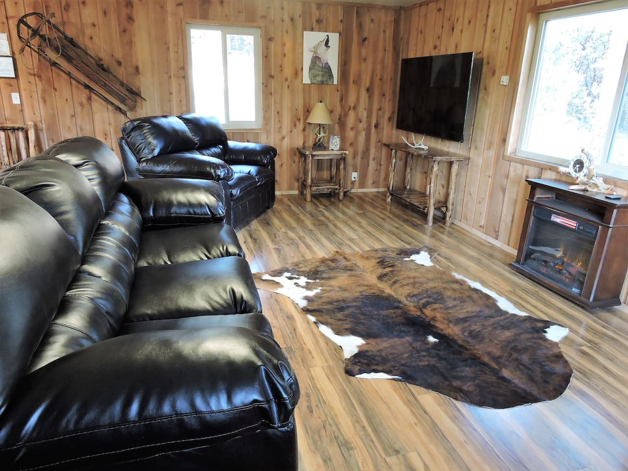 Specious living room with western and wildlife accents.