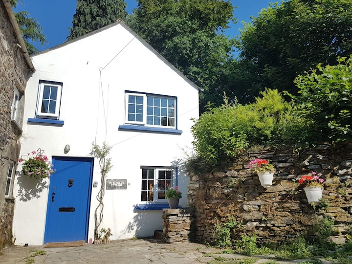 Mitchells Cottage - Lyner Valley, Cornwall.