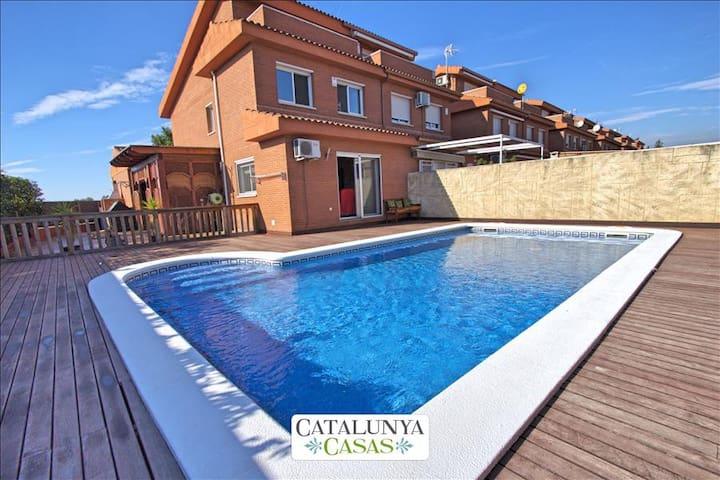 Catalunya Casas: Holiday Heaven in Reus, Tarragona, only 5 minutes to Port Aventura and Salou!