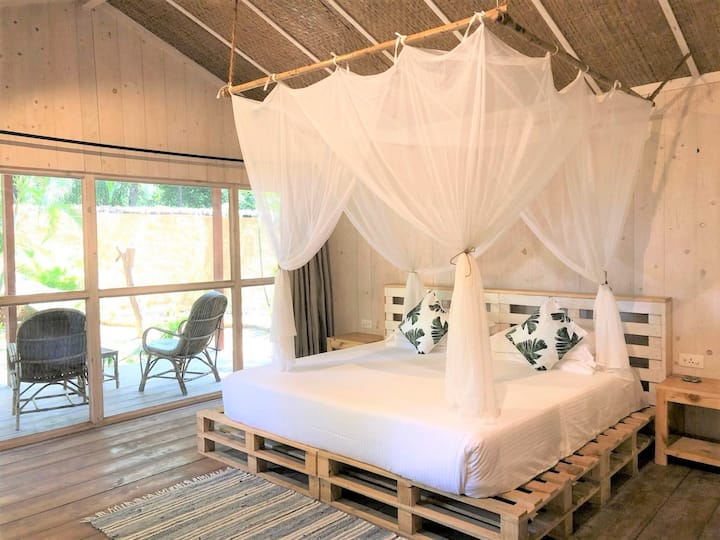Deluxe Beach Hut at Palm Forest Palolem