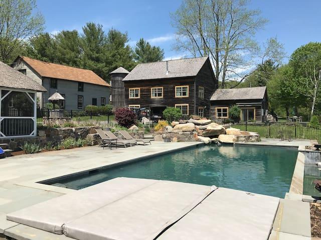 Lakeside Getaway- Long Term Available