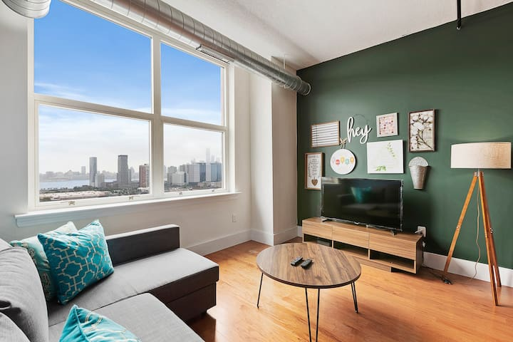Beautiful One Bedroom Loft-Statue of Liberty Views