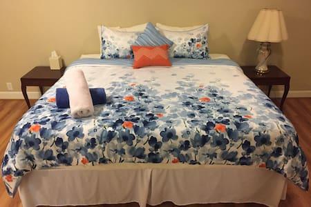 Charming Suite in Lexington Center - 렉싱턴(Lexington)