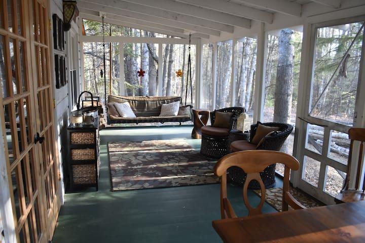 Beautifully renovated ADK cabin - Paradox Lake