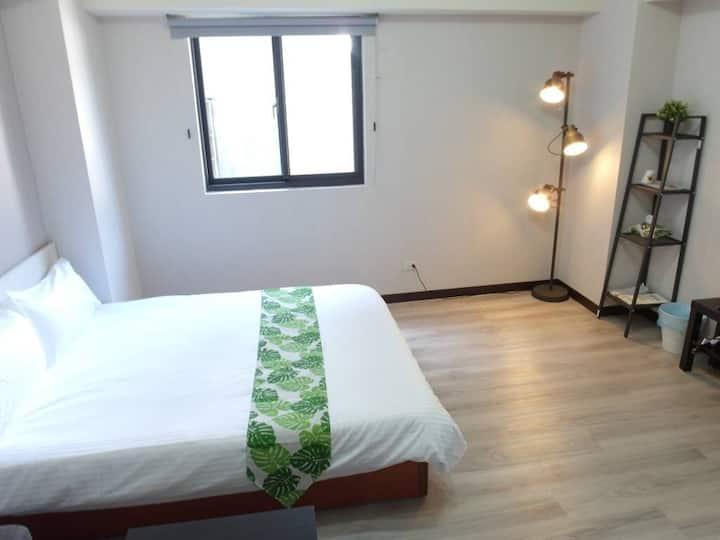 一中商圈旁 Double Room 舒適雙人房